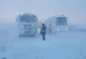 اسکان اضطراری بیش از ۲۶۰۰ مسافر گرفتار در برف و کولاک در آذربایجان شرقی