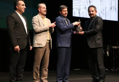 شهردار تبریز جایزه چهره سال را دریافت کرد