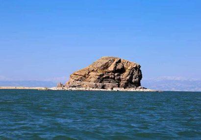 کاهش تراز دریاچه ارومیه