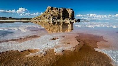 یک عضو هیئت علمی دانشگاه تبریز تاکید کرد تبخیر ۳۰ درصد از آب دریاچه ارومیه در تابستان