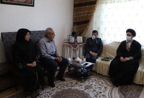 دیدار امام جمعه تبریز با خانواده دختری که اعضای بدنش اهدا شده است