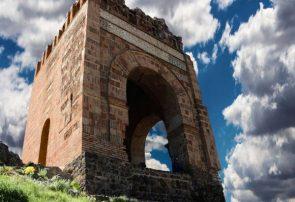 زیباییهای قلعه «ضحاک» هشترود تختجمشید در آذربایجانشرقی