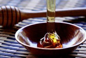 عسل طبیعی با رنگ و بو قابل تشخیص نیست