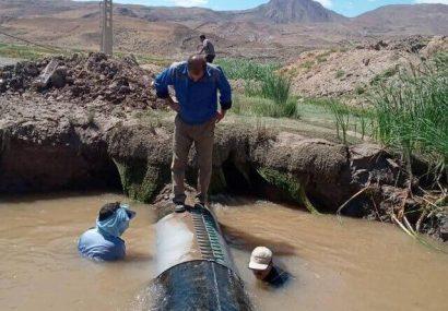 ترکیدگی خط لوله اصلی انتقال آب نهند به تبریز ترمیم شد