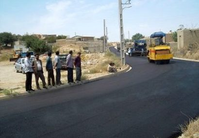 آسفالت ۱۴۰ کیلومتر از راههای روستایی آذربایجانشرقی در حال اجراست