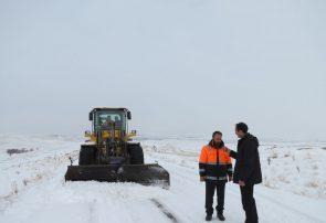 برف راه ارتباطی ۱۳۰ روستای بستان آباد را بست