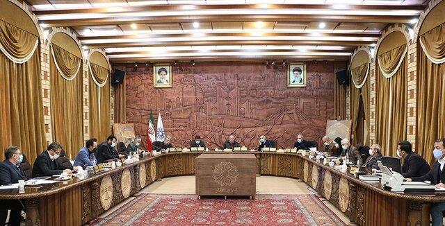 استعفا یا شانه خالی کردن از مسئولیت/ زورآزمایی ارتش و شهرداری در میدان تیر