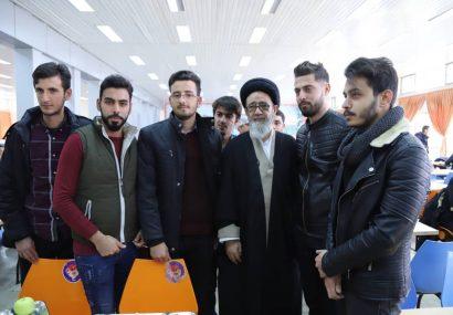 بازدید سرزده امام جمعه تبریز از سلف دانشجویان دانشگاه تبریز و اقامه نماز در مسجد دانشگاه